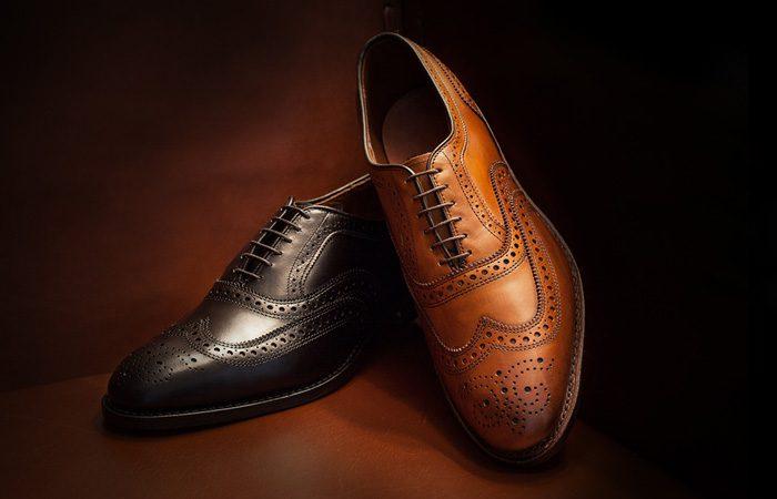 کفش قهوهای یا کفش مشکی مردانه ؟
