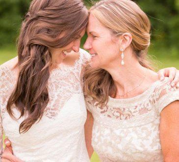 راهنمای انتخاب لباس برای مادر عروس