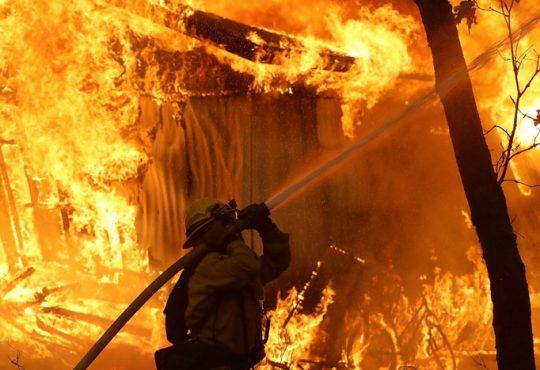 آتش سوزی جنگلی کالیفرنیا