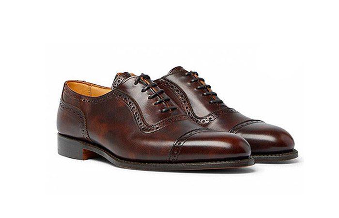 راهنمای پوشیدن کفش قهوه ای یا لباس مشکی برای آقایان