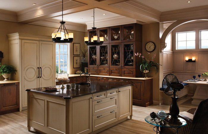 دکوراسیون آشپزخانه با کابینت قهوه ای