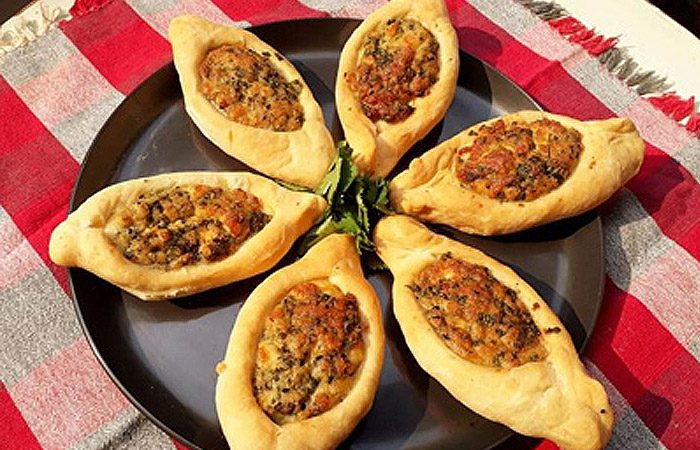 طرز تهیه فطایر پنیری غذایی عربی