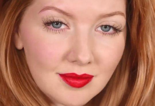 فیلم آموزش آرایش صورت و لب قرمز
