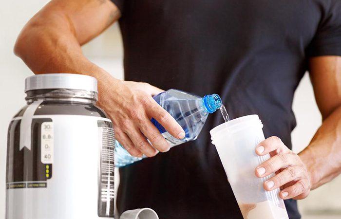 عوارض مصرف پودر پروتئین برای ورزشکاران