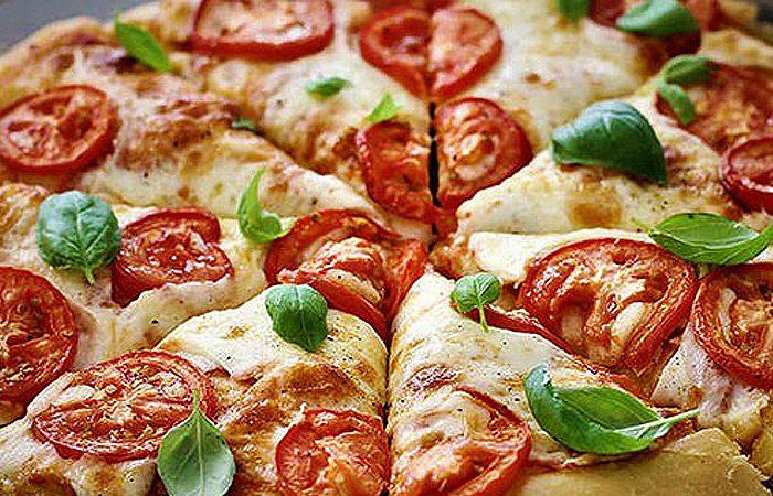طرز تهیه خمیر و پیتزا مارگاریتا