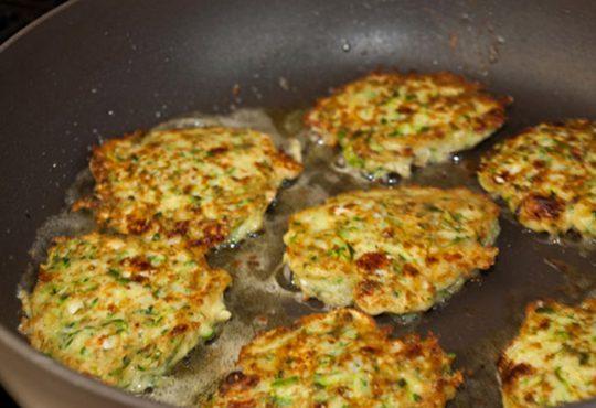 طرز تهیه کوکوی کدوسبز با پنیر فتا و شوید