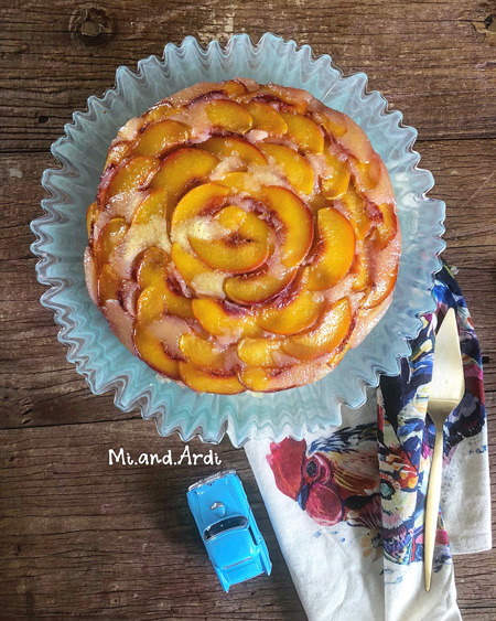 کیک هلو وارانه