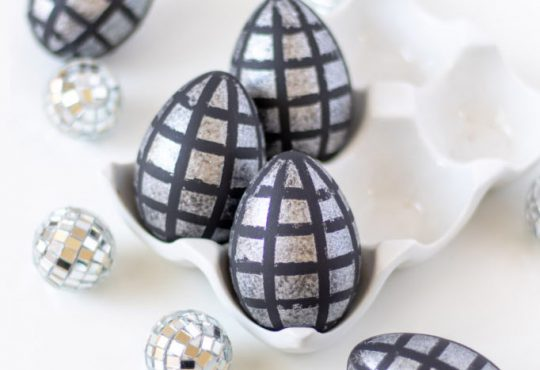 رنگ کردن تخم مرغ