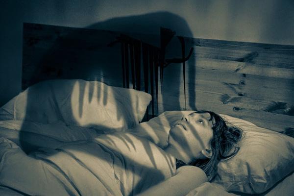 فلج خواب؛ علائم، علتها و درمان آن