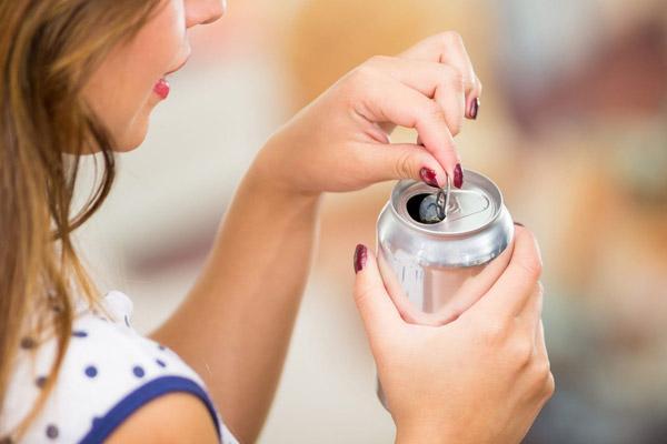 نوشیدنی هایی که در دوران بارداری نباید مصرف کنید