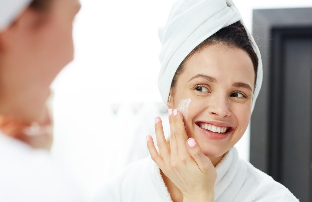 مرطوب کننده برای پوست چرب چه ویژگی هایی باید داشته باشد؟