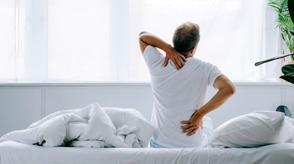 6 درمان خانگی برای کمر درد