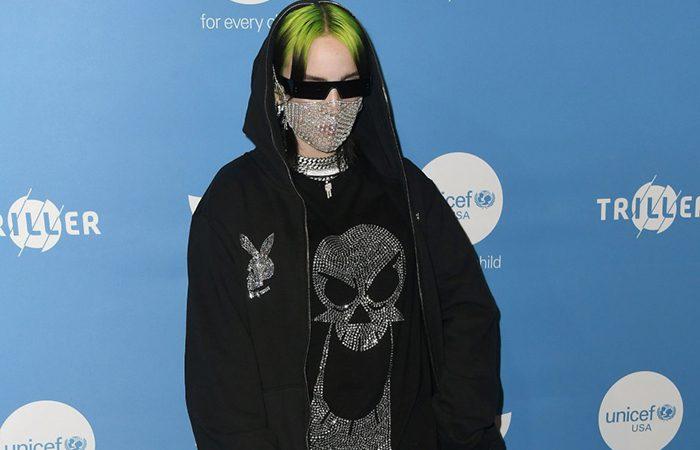 لباسهای عجیب و غریب ستاره ۱۸ ساله دنیای موسیقی