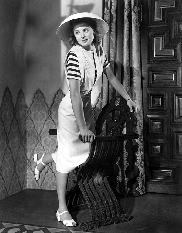 محبوبترین زن زیبای سینمای هالیوود در لباسهایی ساده و جذاب