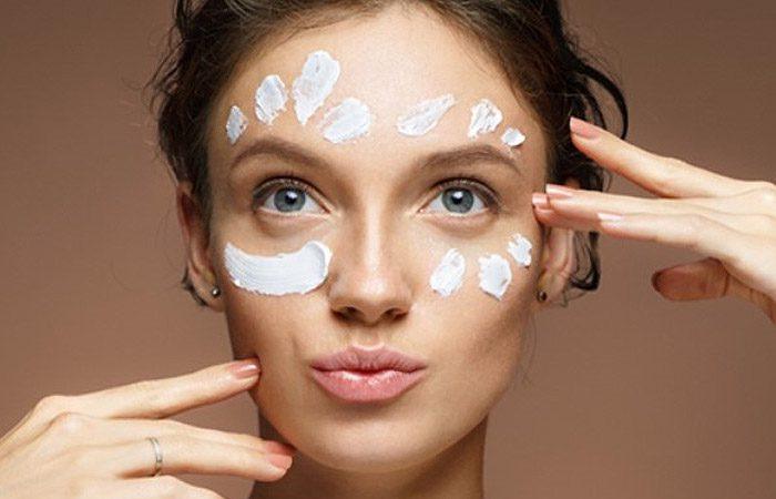 هر آنچه باید بدانید تا بهترین مرطوب کننده را برای صورتتان انتخاب کنید.