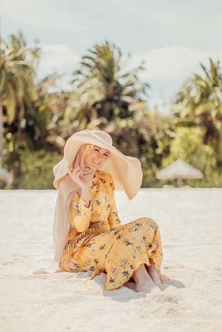 استایل ساحلی با کلاه زنانه