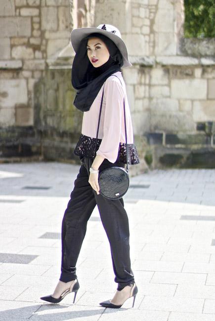 پوشیدن کلاه زنانه با کفش پاشنه بلند