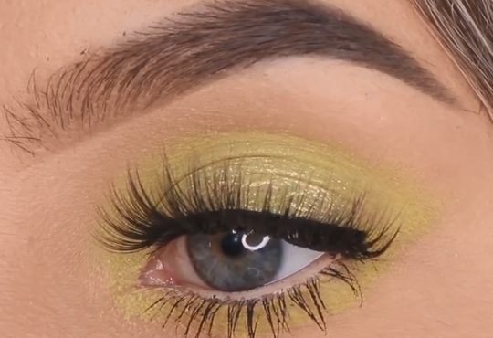 فیلم آموزش آرایش چشم با سایه های سبز