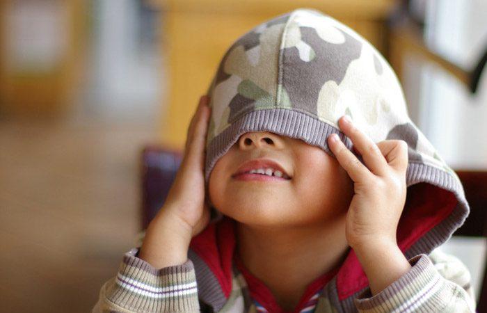 چگونه خجالتی بودن کودکان را رفع کنیم؟