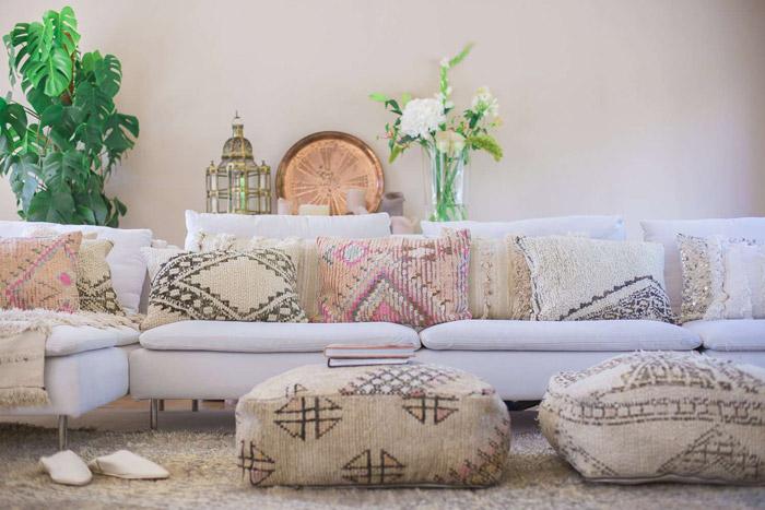 چیدمان اتاق نشیمن به سبک مراکشی