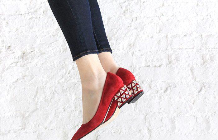 تزیین کفش با سنگ