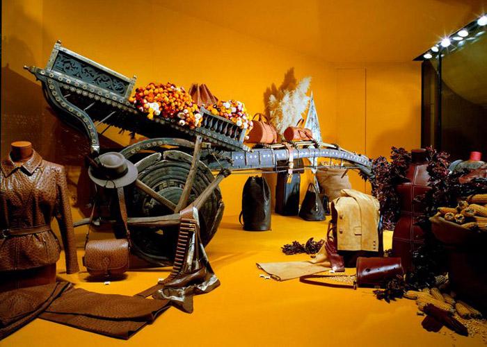 ویترین لوکسترین فروشگاههای پوشاک در جهان