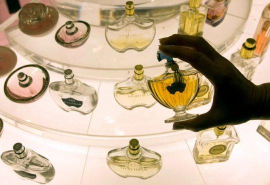 مواد خطرناک و باورنکردنی در عطرهای تقلبی