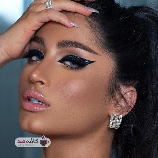 مدل آرایش خیره کننده