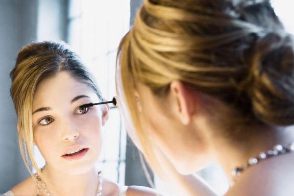 ترفندهای استفاده از ریمل و خط چشم