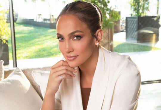 اظهار نظر جالب خواننده مشهور در مورد زیبایی طبیعی اش