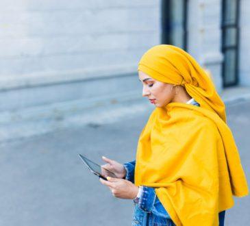 زرد را با چه رنگ لباسی ست کنیم؟