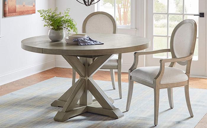ویژگی میز و صندلی های ناهارخوری