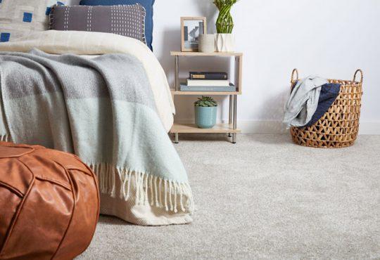 جوانب مثبت و منفی استفاده از موکت در اتاق خواب