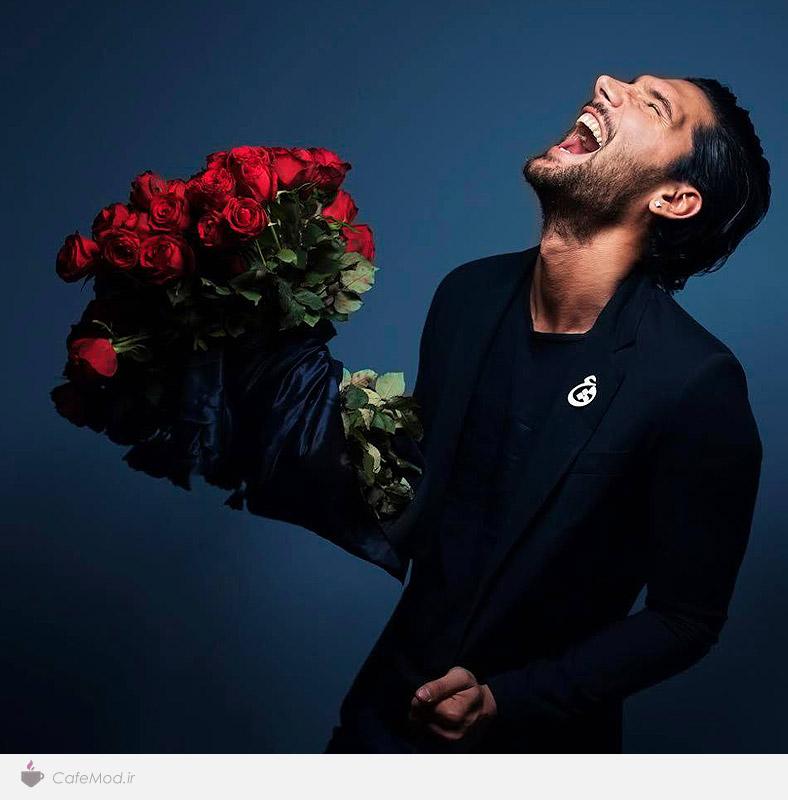 مدل گل سینه، عشق