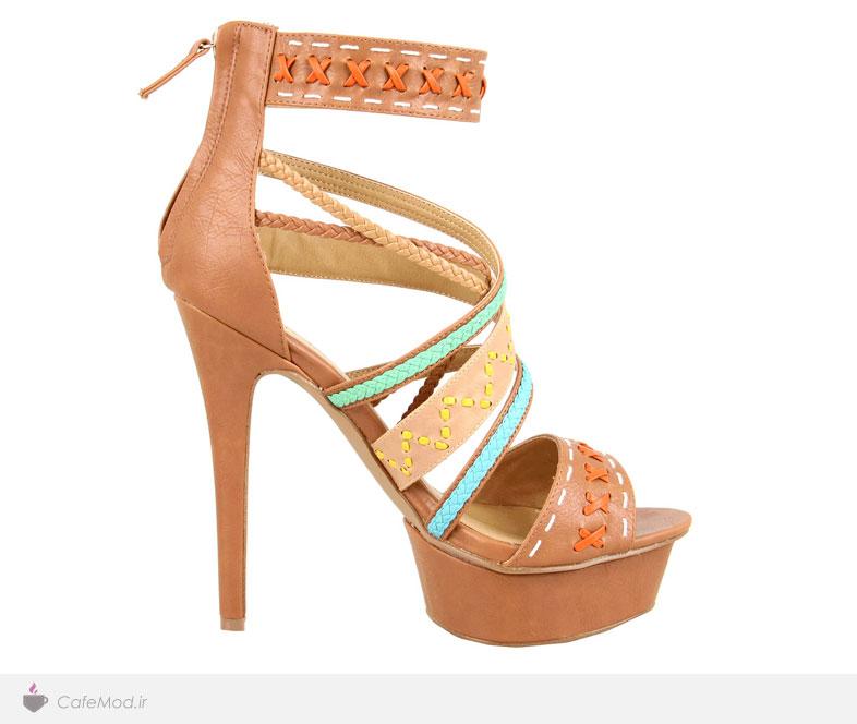 کفش مارک دار